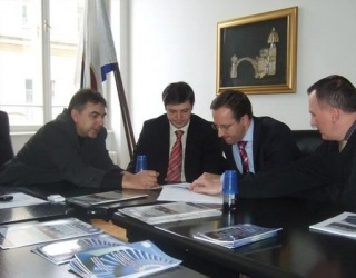 VSI donirao info screen Općinskom sudu u Sarajevu (Februar 2010.)